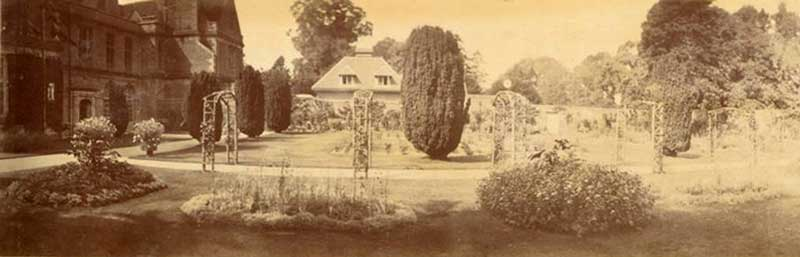 mrs farquhars north garden at shaw house c.1906