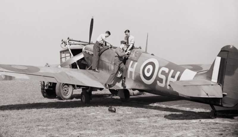 spitfire vb being refueled at 64 Squadron at raf hornchurch